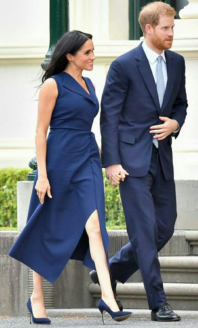 Vestido azul marinho da Meghan Markle na Austrália