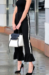 black and white top hanf bag