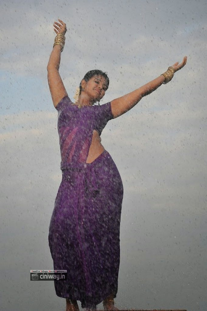 Tamilcinestuff   Anjali Rain Dance In Saree Hot Girls -5891