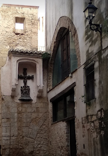 Calle de acceso a la catedral de Tortosa, Tarragona