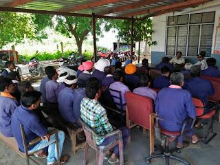 गंधवानी थाना प्रभारी ने ग्राम कोटवारों का सम्मेलन आयोजित किया