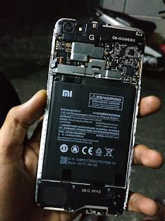Ganti Baterai Xiaomi Redmi Note 5a
