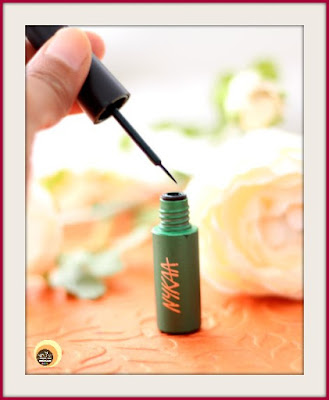 Nykaa GLAMOReyes 03 Enchanting Forest Liquid Eyeliner Review On Natural Beauty And Makeup Blog