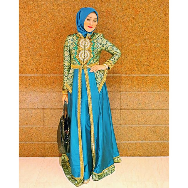 35 Baju Pesta Batik Dian Pelangi Trend Model