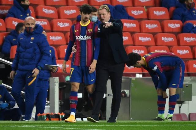 رونالد كومان: قرار ميسي بيديه.. وبالغت في تصرفي مع لاعب برشلونة