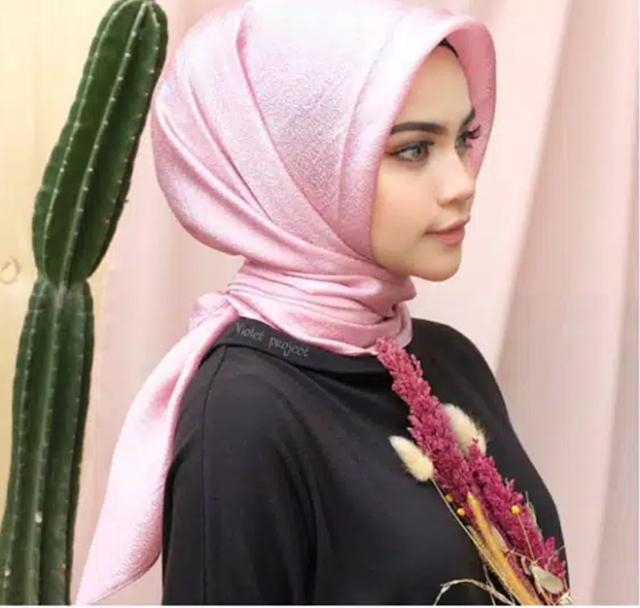 Jilbab Segi Empat Pesta Organza Warna Pink