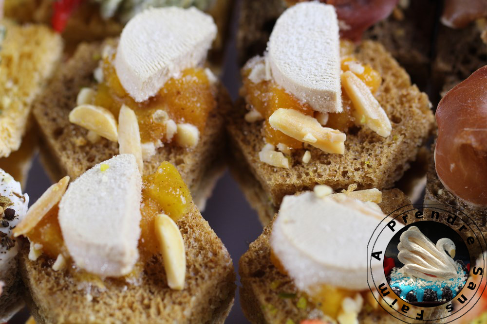 Pain d'épices chutney pêches et foie gras