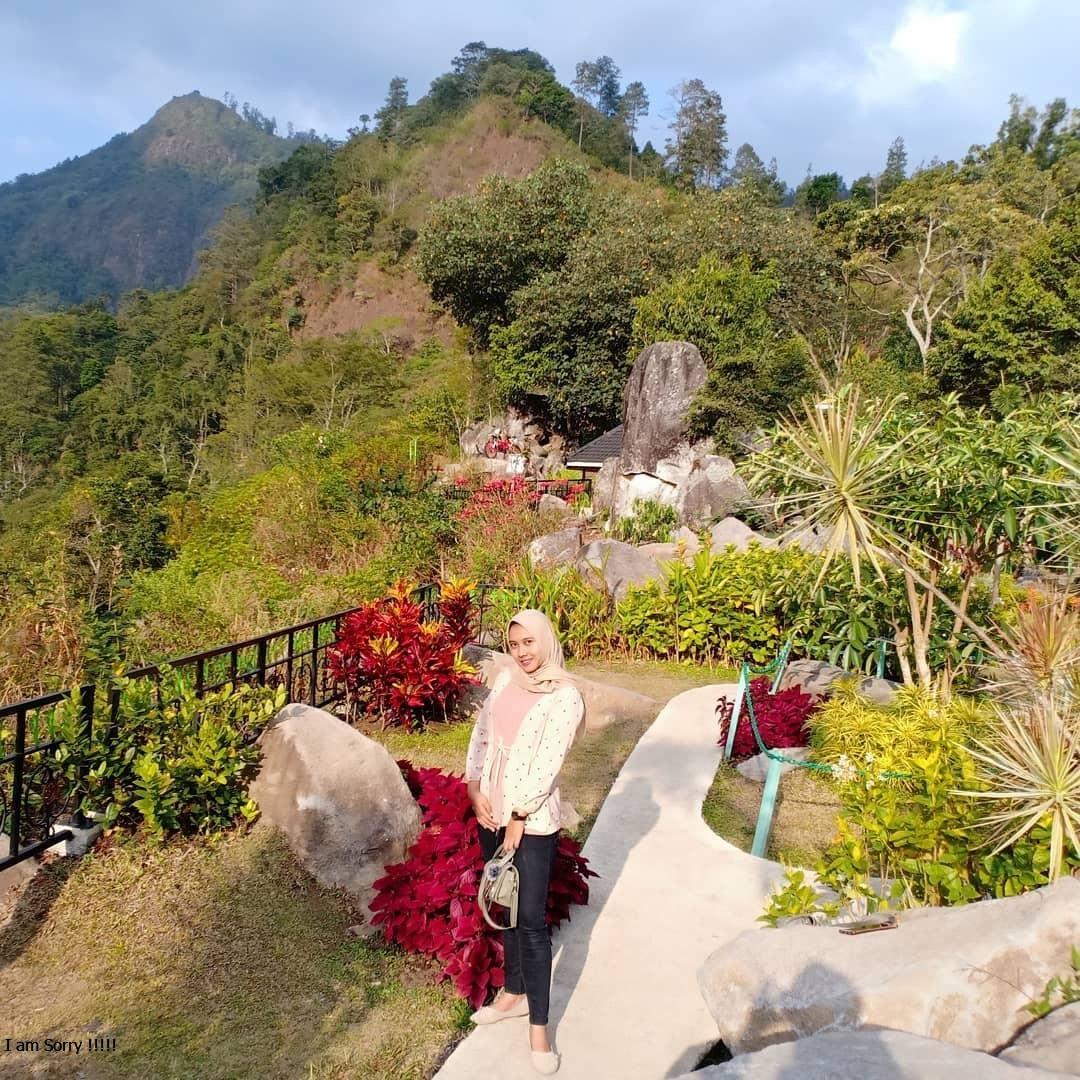 Wisata Watu Rumpuk Dagangan