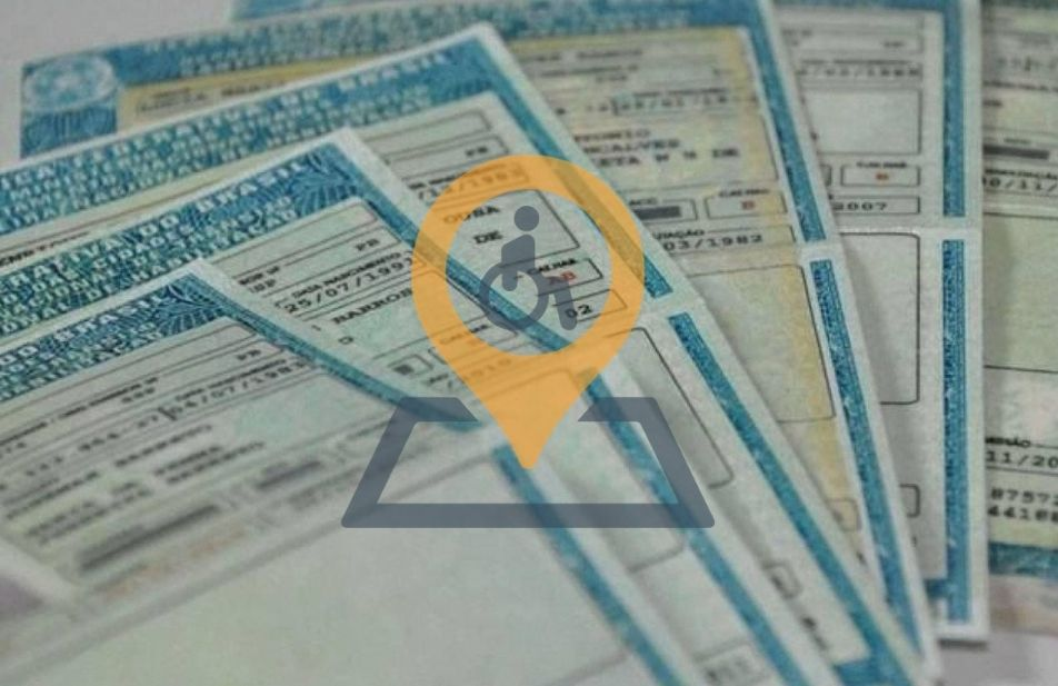 A imagem traz um fundo com algumas carteira de habilitação especial e no centro a logomarca transparente do território deficiente