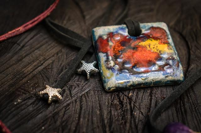 Colar de Cerâmica feito por Fbarbe Cerâmica