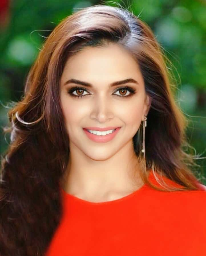 Deepika Padukone Beautiful Pictures