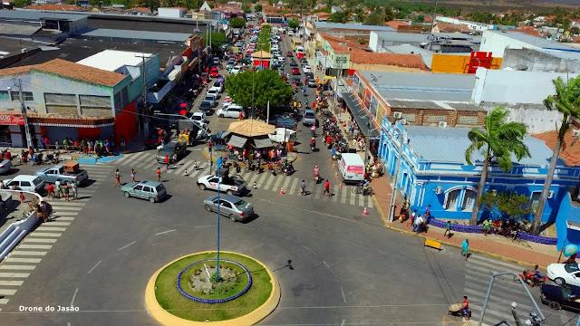 Drone do Blog do Jasão mostra imagens da feira livre da cidade de ...