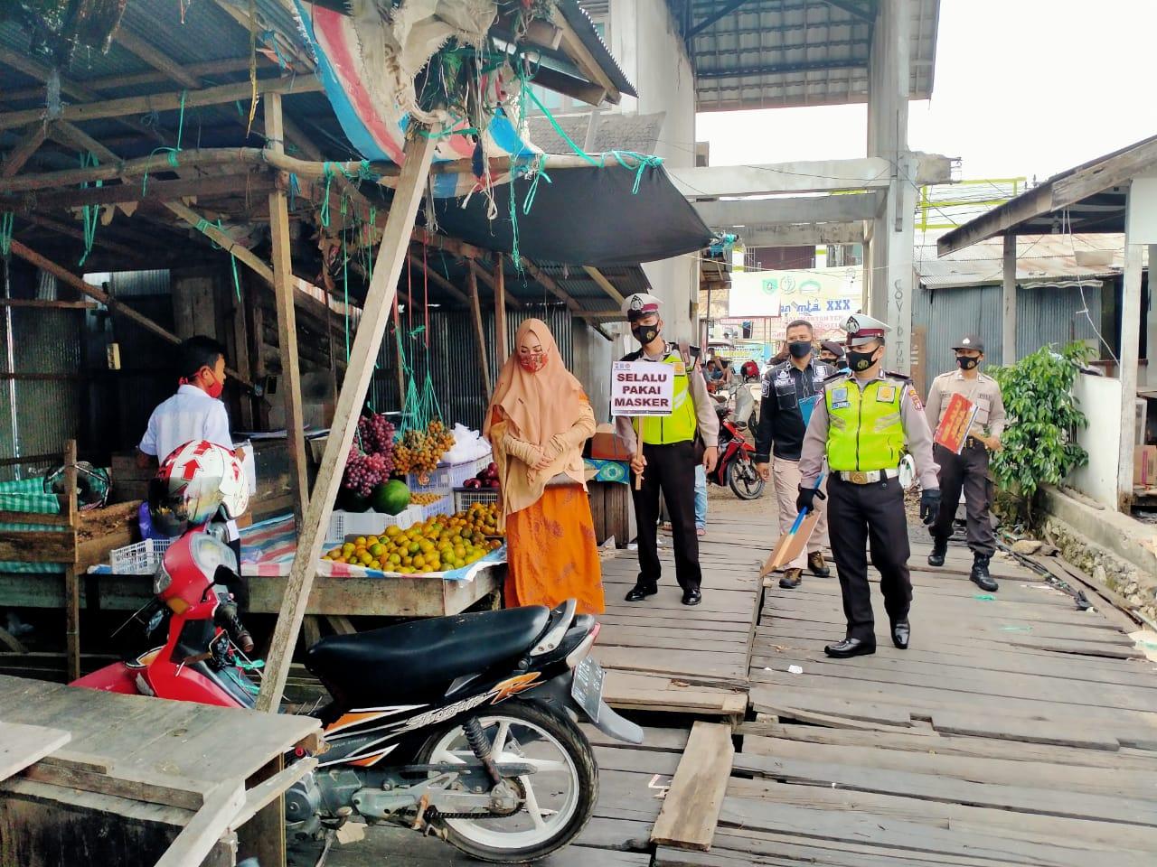 Gelar Patroli Pendisiplinan, Patroli KRYD Polres Barsel Sambangi Pasar