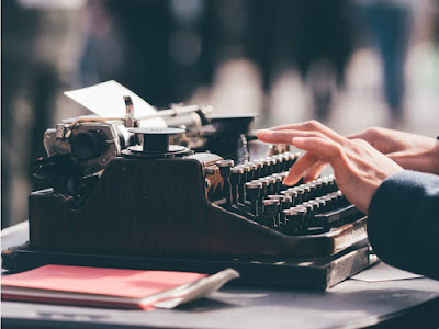 Typewriter Photo by MILKOVÍ on Unsplash