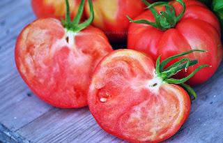 http://tomatprat.blogspot.no/2015/07/cuore-de-toro-tomat.html