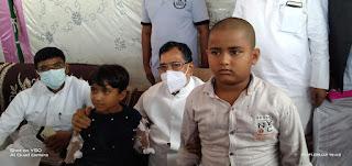 #JaunpurLive : शोक संवेदना व्यक्त करने पहुचे नेता प्रतिपक्ष रामगोविंद चौधरी, परिजनों को बंधाया ढांढस