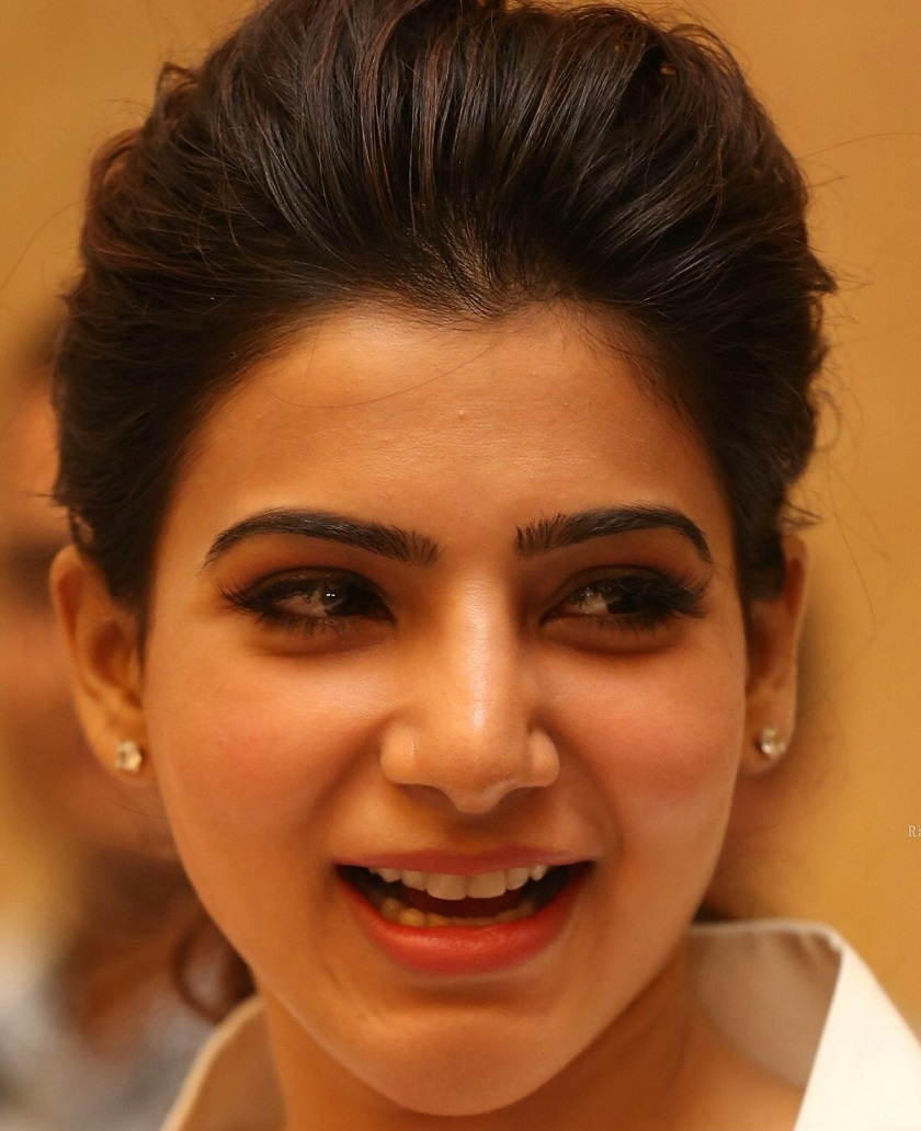 Beautiful Telugu Girl Samantha Oily Face Close Up Photos