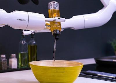 روبوت جديد من سامسونج يساعدك في الطبخ!