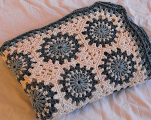 Circles & Octagons Throw - Free Pattern
