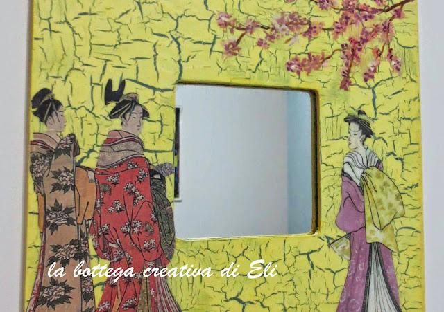 cornice-in-legno-decorata-a-decoupage-effetto-cracklè