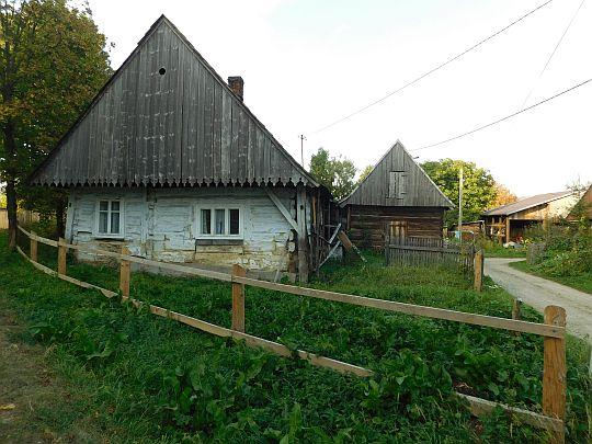 Domy przy odejściu ul. Rozpatrz od Drogi Węgierskiej.
