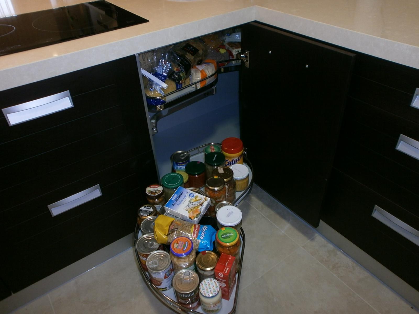 El wengu y la madera oscura en la cocina cocinas con estilo for M s mobiliario auxiliar para tu cocina s l