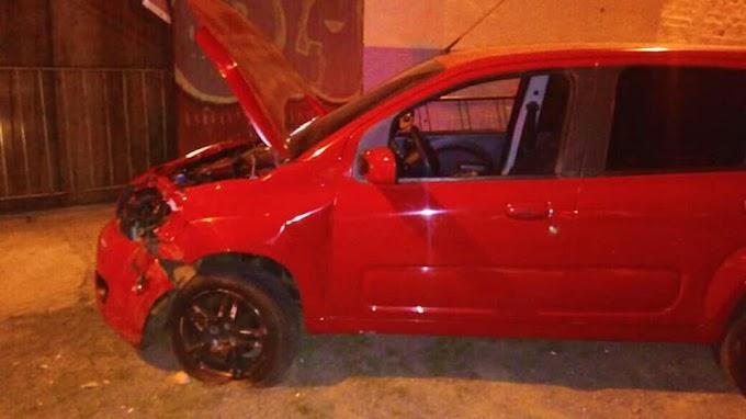 Motorista embriagado bate no portão do Ginásio Municipal em Cachoeirinha