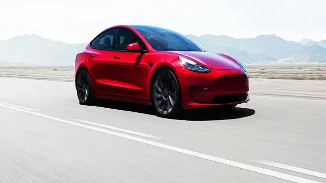 المملكة المغربية تشرع في صناعة أجزاء سيارات تيسلا الكهربائية