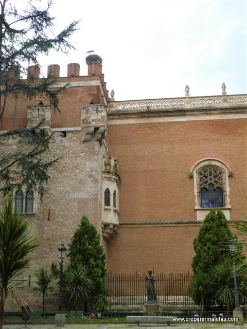 visitar palacioes en Alcalá de Henares