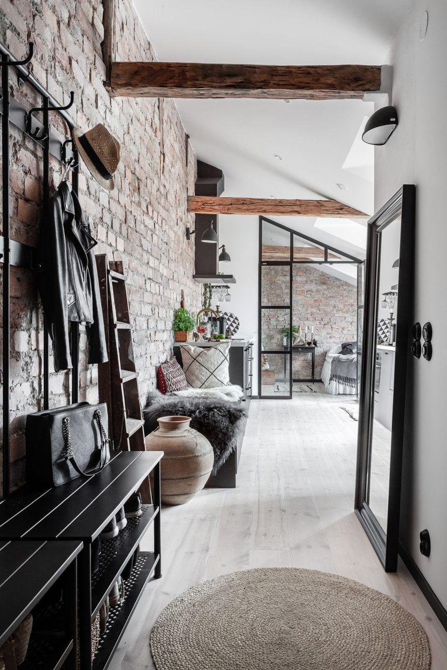 Mieszkanie na poddaszu w loftowym klimacie, wystrój wnętrz, wnętrza, urządzanie domu, dekoracje wnętrz, aranżacja wnętrz, inspiracje wnętrz,interior design , dom i wnętrze, aranżacja mieszkania, modne wnętrza, loft, styl industrialny, czerń i biel, black and white, poddasze, mieszkanie na poddaszu,