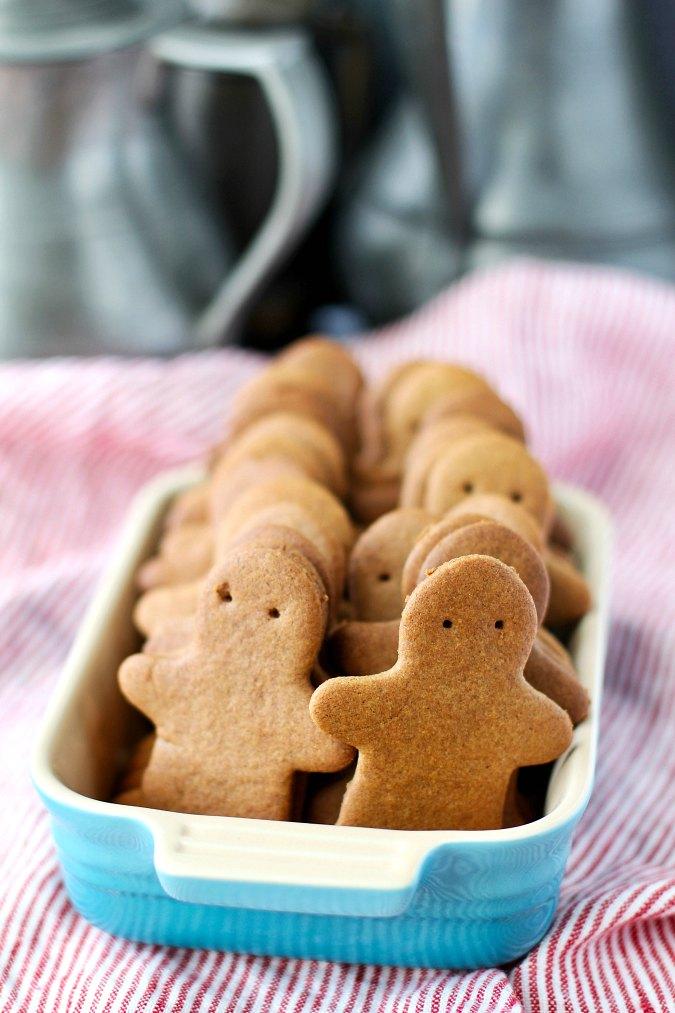 Pogens Ginger Snaps (Copycat)