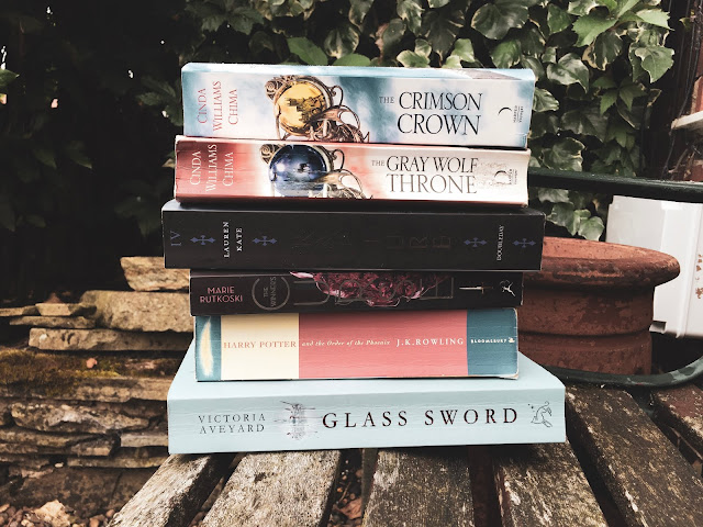 john barrowman, books, bookish, book review, reading, author, writing, glass sword, hollow earth, victoria aveyard, lost for words, stephanie butland, harry potter, j.k. rowling