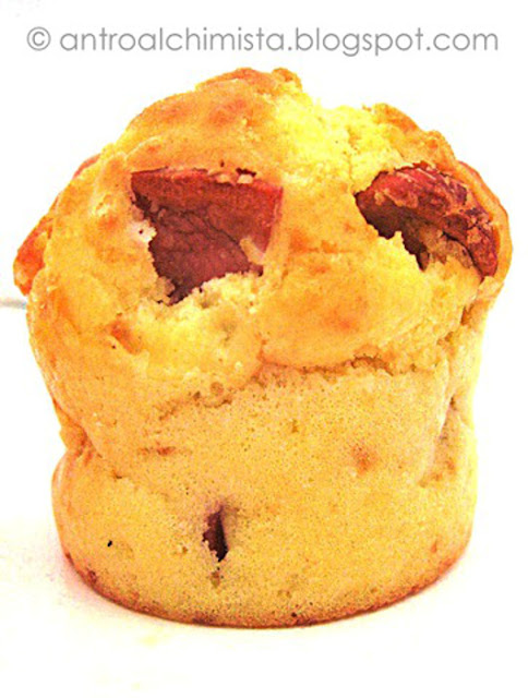Muffins Salati Wurstel e Parmigiano
