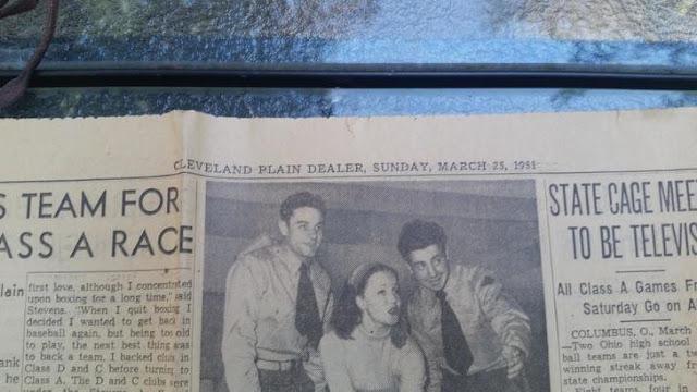Temukan Kotak Misterius dari Tahun 1951 di Rumah Tua, Pria Ini Kaget Begitu Melihat Isinya!