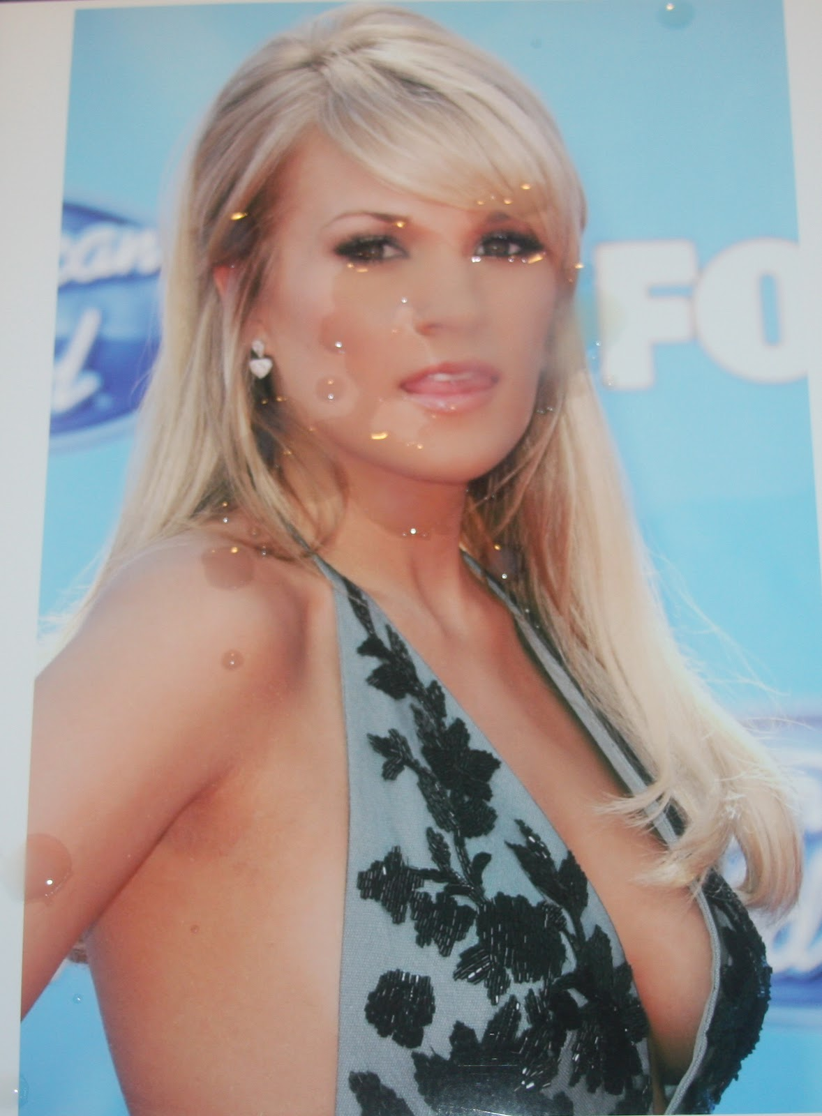 Carrie Underwood Carrie Underwood Cleavage Pics