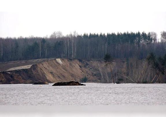 Landslide in Knappensee, Germany, triggers a 1.5-meter tsunami