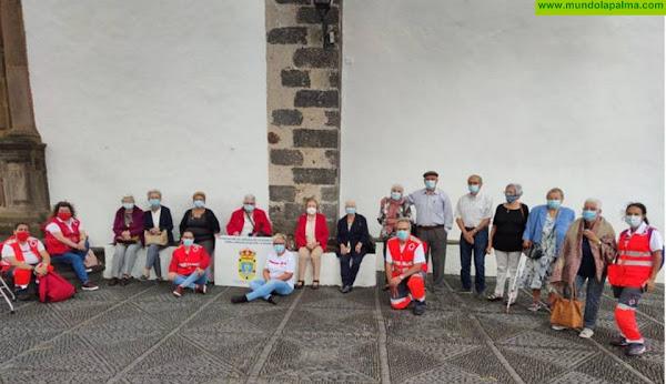 El servicio de Teleasistencia Domiciliaria evita el aislamiento social de las personas mayores en La Palma