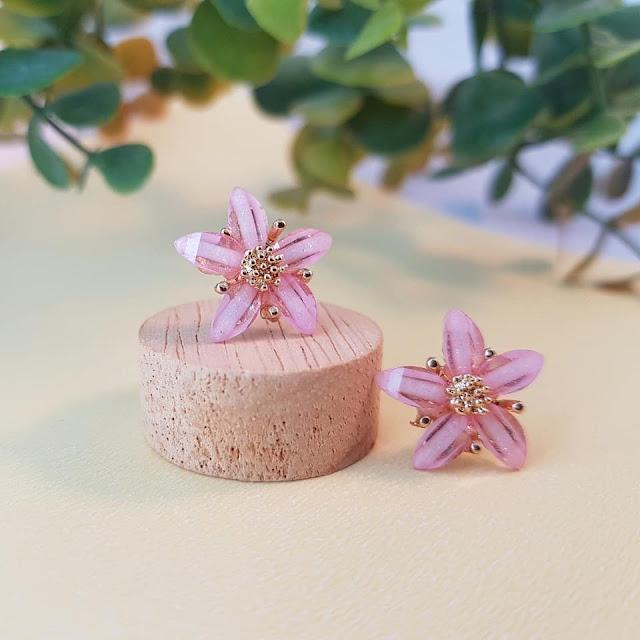 Dijual Anting Bunga Sakura Lima Kelopak Pink yang Memikat Hati Setiap Kaum Wanita, MUSTI PUNYA