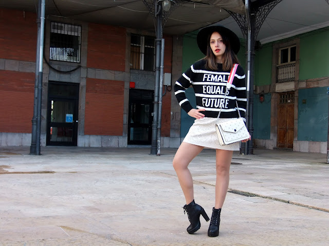 fashion, moda, look, outfit, blog, blogger, walking, penny, lane, streetstyle, style, estilo, trendy, rock, boho, chic, cool, casual, ropa, cloth, garment, inspiration, fashionblogger, art, photo, photograph, Avilés, oviedo, gijón, asturias, tulle, tul, feminist, female, feminismo, mujer, woman, women, igualdad, respeto,