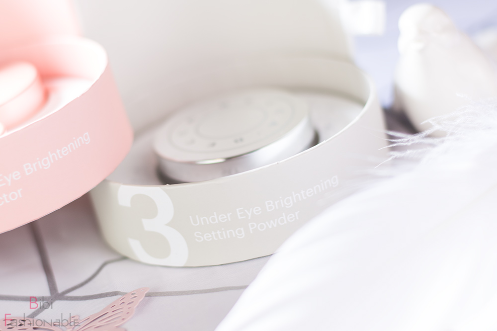BECCA Bright Eyes Step 3 Under Eye Brightening Setting Powder