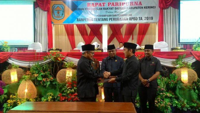 Wakil Bupati Kerinci Hadiri Pengesahan Ranperda Perubahan APBD 2019