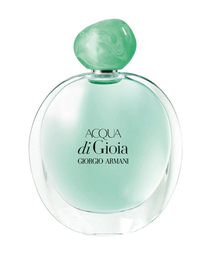 Acqua Di Gioia perfume by Armani For women who want to show a new and distinctive personality in the workplace, Acqua Di Gioia perfume is the perfect choice, as the fragrance comes in a simple and beautiful bottle with hints of green and turquoise, to give you a refreshing and exciting touch, light on the soul, with a subtle aura that fills the air With a sense of humor.
