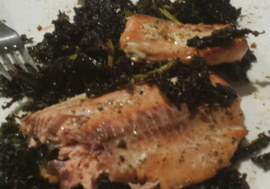 Grilled Salmon and Kale Chips ~ CIO Recipes