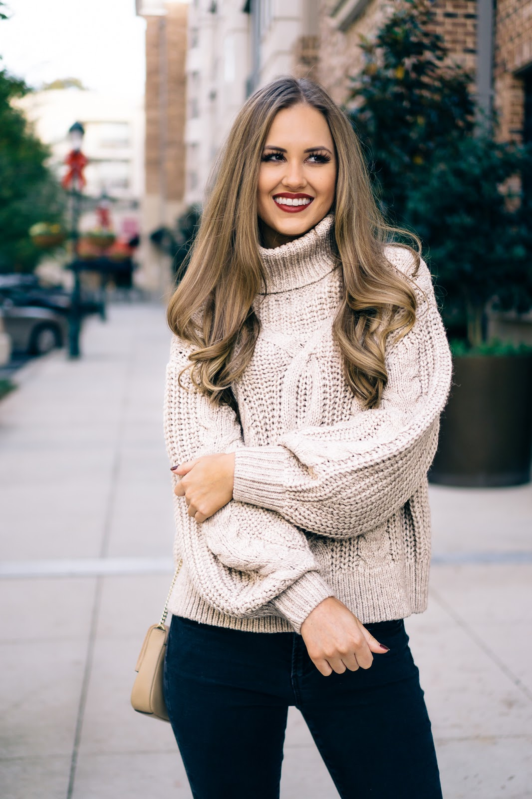 the-perfect-cable-knit-sweater-for-winter