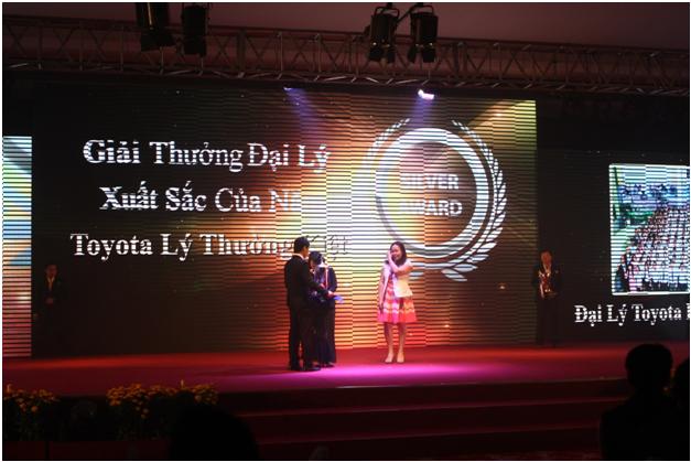 Toyota lý thường kiệt nhiều năm liền đạt giải thưởng đại lý xuất sắc của năm do Toyota Việt Nam trao