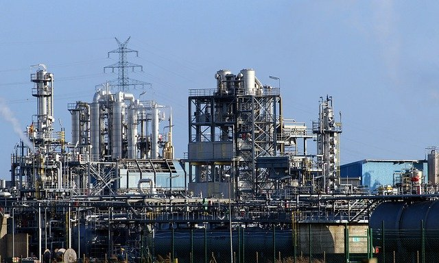 化学工場の写真