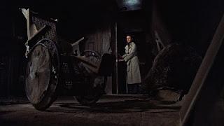 Dunia Sinema The Changeling 1980 Claire Menatap Kursi Roda