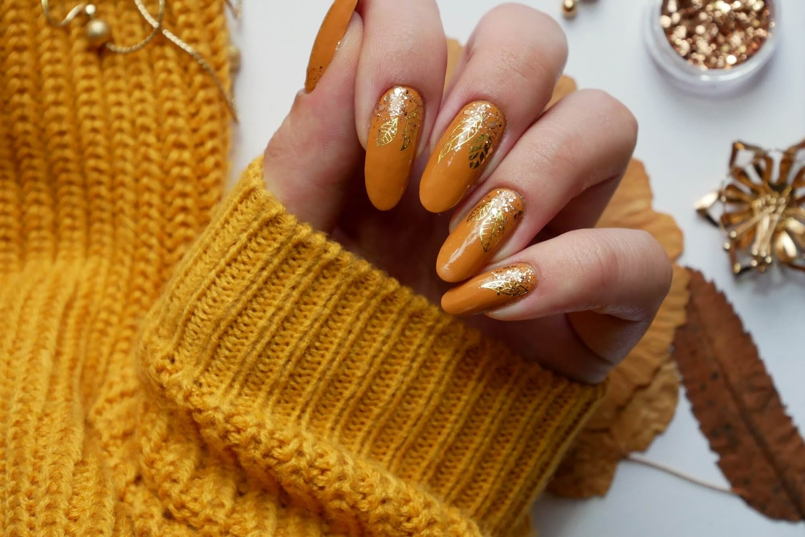 paznokcie wzory jesienne