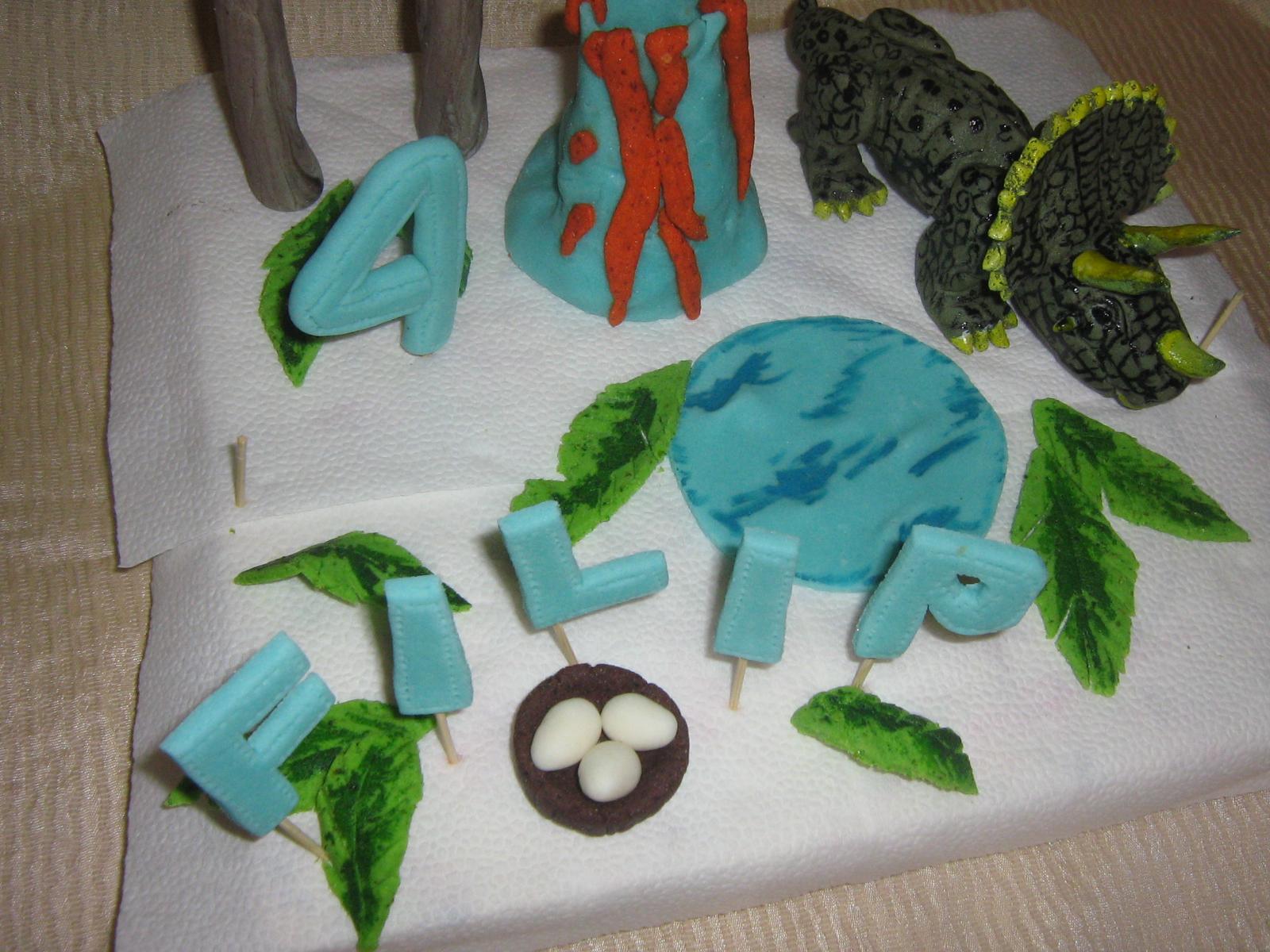 Torte i figurice za torte sneza dinosaurus triceratrops sa reljefne figure figurice za mladenacke torte figurice likova iz crtanih filmova igrica pepa prase i dzordz sa porodicom pepeljuga mala sirena thecheapjerseys Choice Image