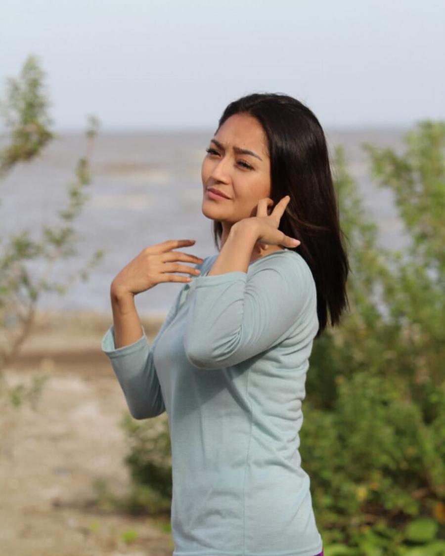 cewek manis artis biduan dangdut jadi artis FTV Siti Badriah